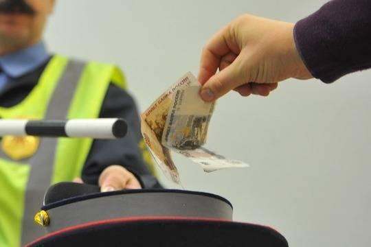 ВУфе прежнего инспектора ДПС осудили завзяточничество иугон автомобиля